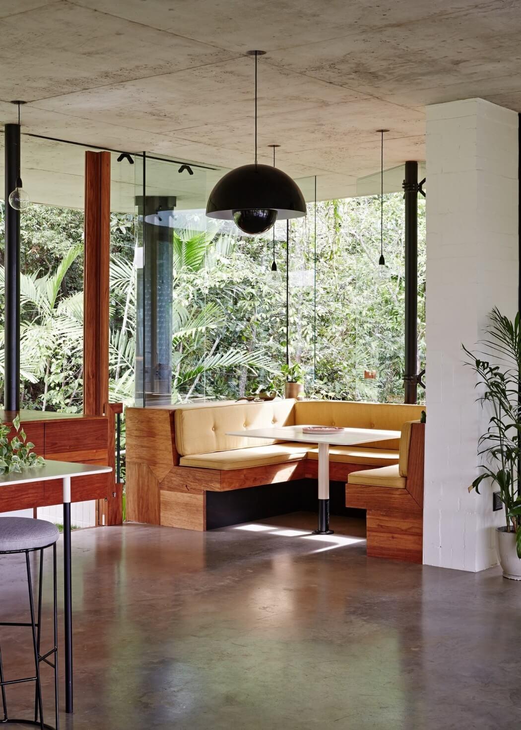 Planchonella House by Jesse Bennett Architect
