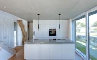 021-minimalist-vacation-house-mhring-architekten