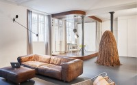 002-glass-walnut-loft-cut-architectures