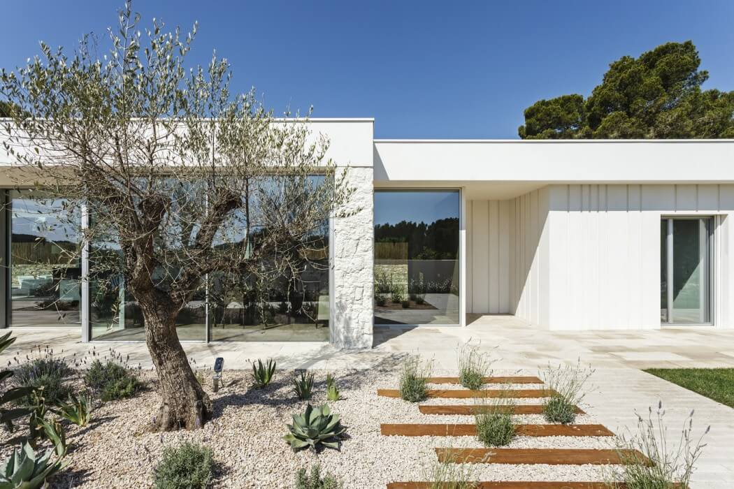 Thomsen House by Costa Calsamiglia Arquitecte