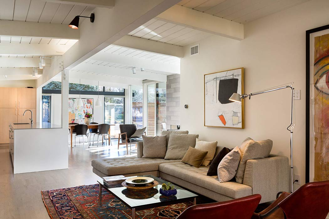 Mid-century modern is not so old-fashioned anymore. Image Via: Cablik