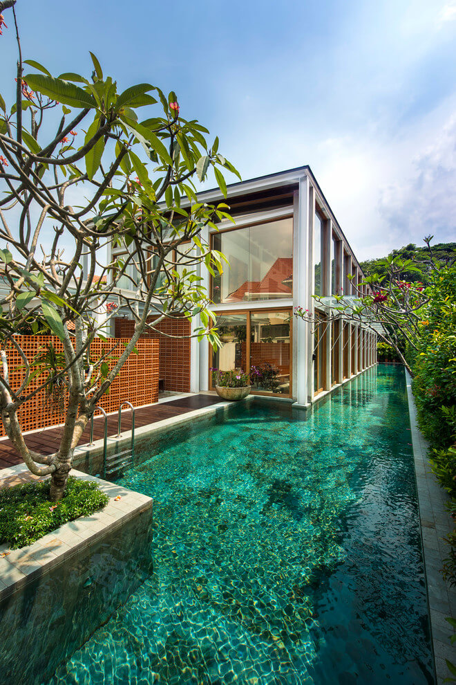 Bungalow in Singapore by Visual Text Architect - 1