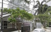 004-rumah-miring-budi-pradono-architects