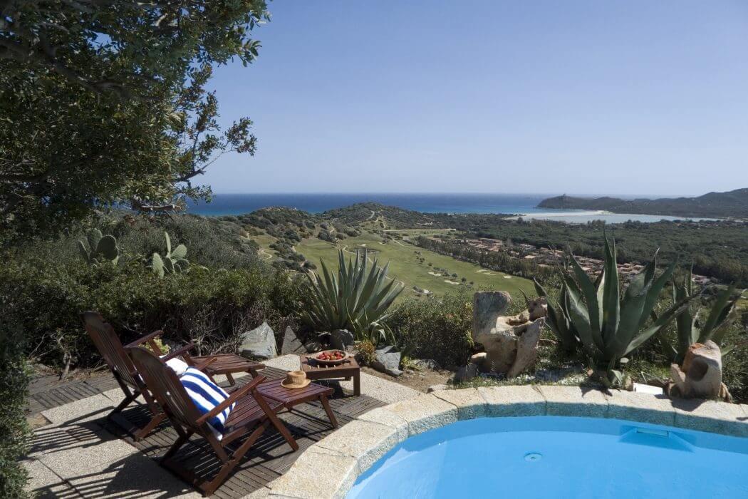 Villa in Sardinia by Lorenzo Faroldi