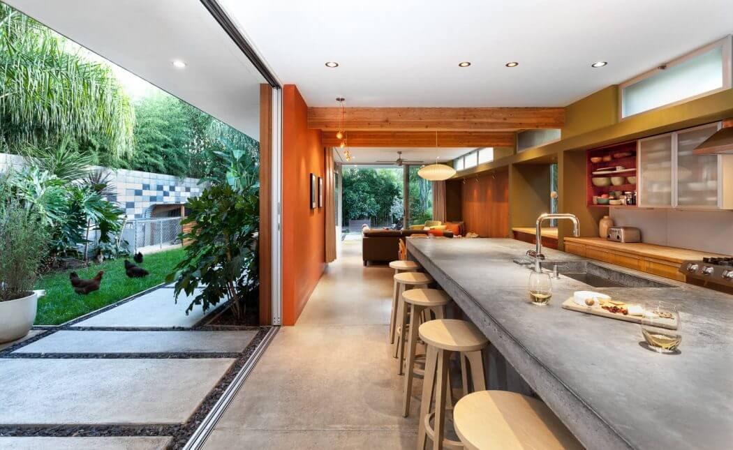 Contemporary House by Serrao Architecture Design HomeAdore