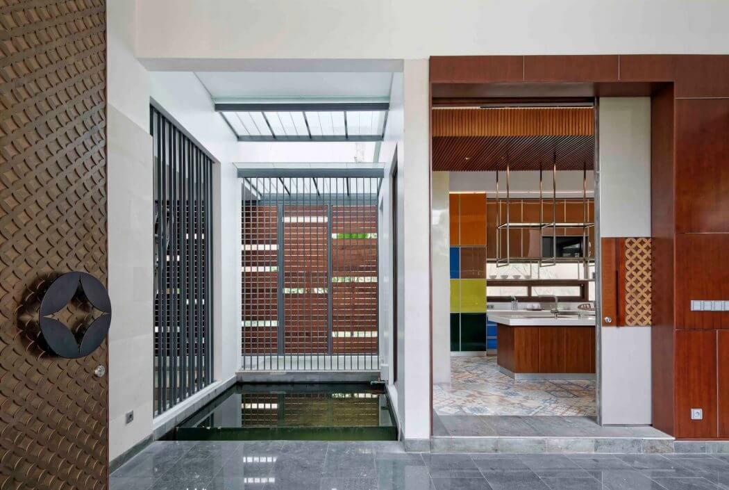 Home in Jakarta by Atelier Cosmas Gozali HomeAdore