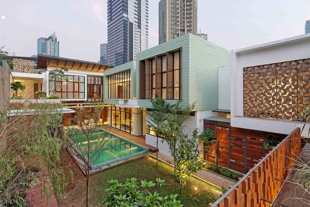 Home in Jakarta by Atelier Cosmas Gozali