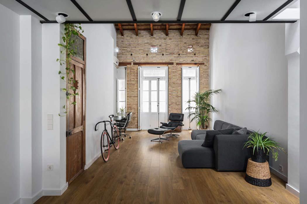 Loft Renovation by Ambau Taller D'arquitectes