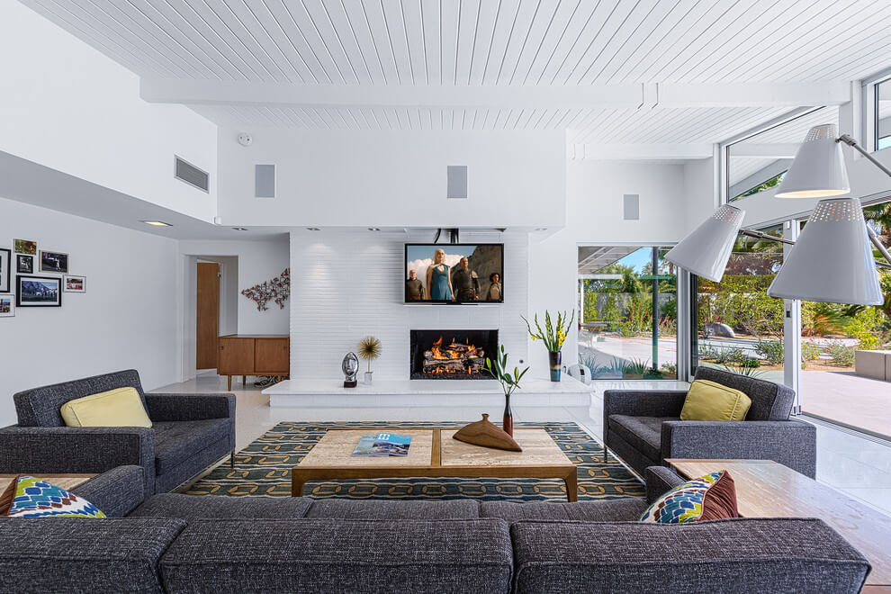 Midcentury Home by H3K Design
