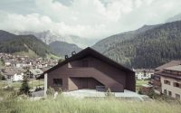 009-contemporary-chalet-rudolf-perathoner-architect