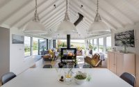 002-coastal-home-woodford-architecture-interiors