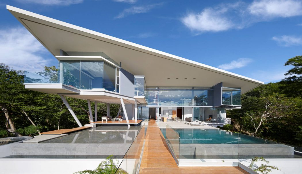 Contemporary House by Cañas Arquitectos « HomeAdore