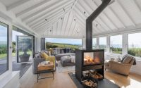 003-coastal-home-woodford-architecture-interiors