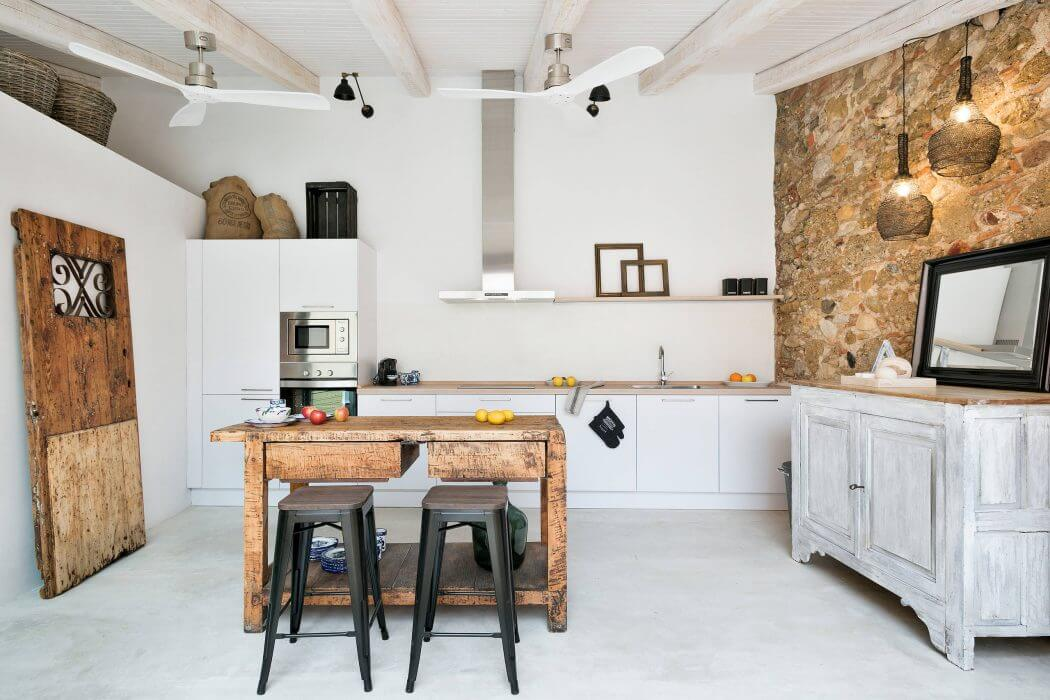 House in Baix Empordà by Home Deco