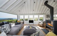 006-coastal-home-woodford-architecture-interiors