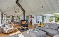 007-coastal-home-woodford-architecture-interiors