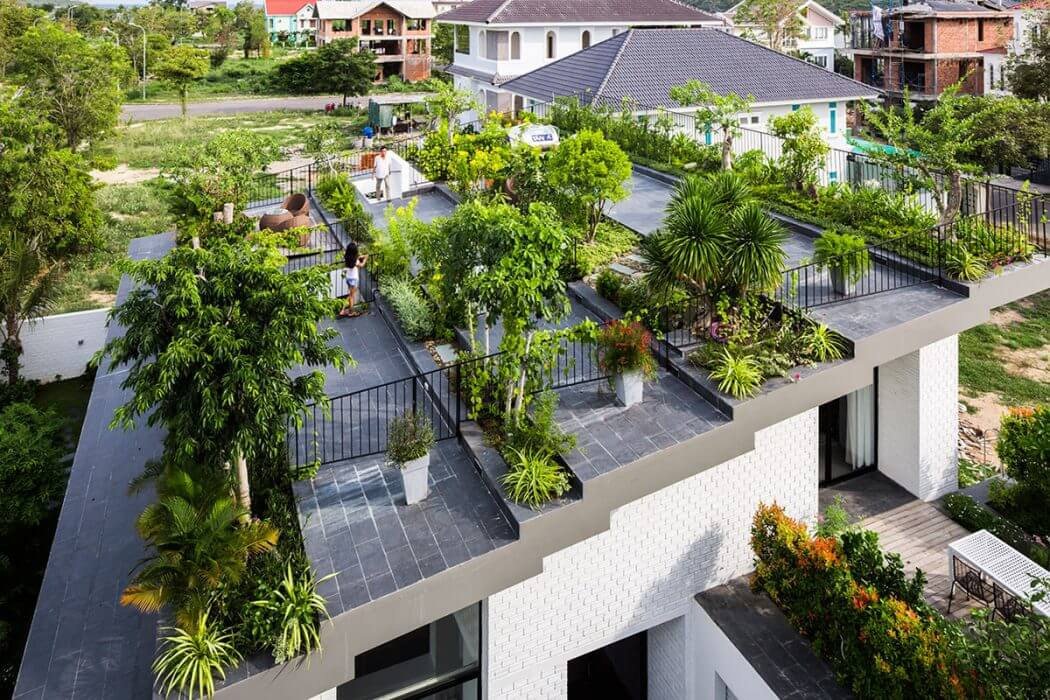Residence in NHA Trang by Vo Trong Nghia Architects