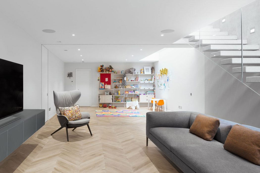 House in London by Emergent Design Studios