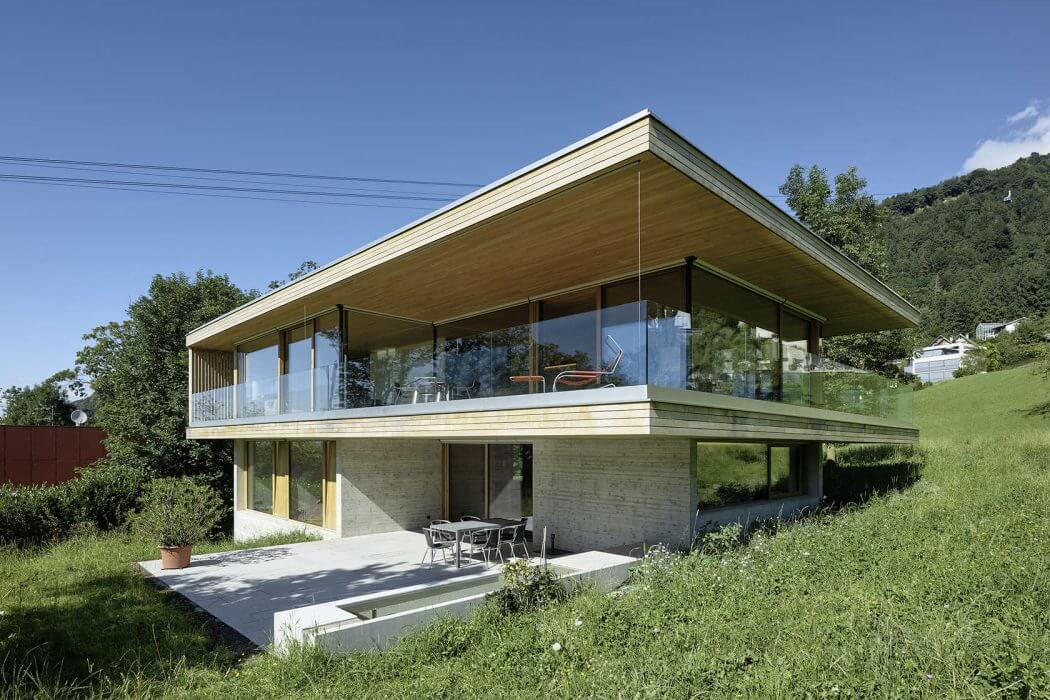House D by Dietrich / Untertrifaller Architekten