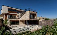 001-threestorey-house-iran-white-cube-atelier