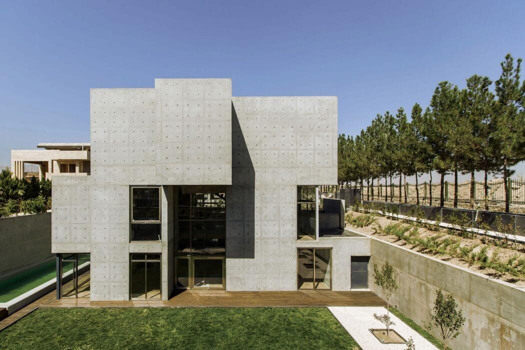 Villa in Isfahan by Bracket Design Studio