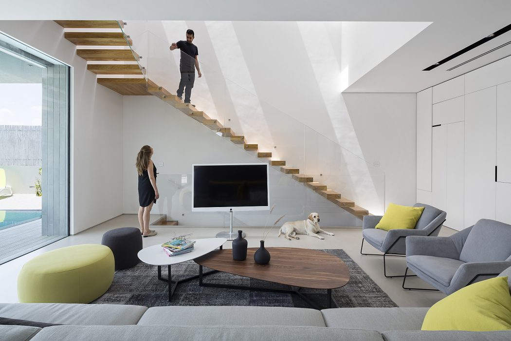 ZA House by Shachar Rozenfeld Architects
