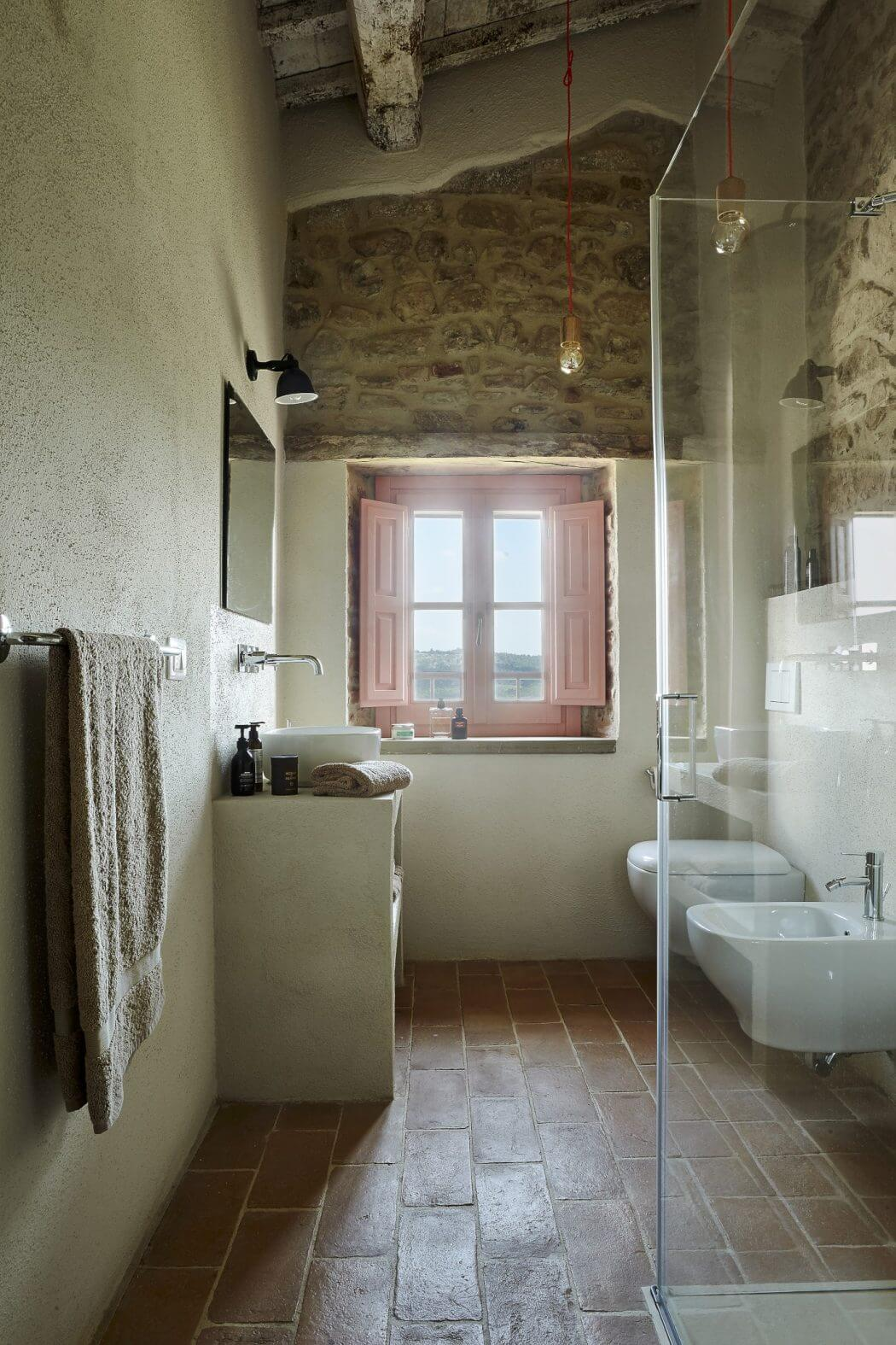 Historic farmhouse by special umbria homeadore pin save email dailygadgetfo Choice Image