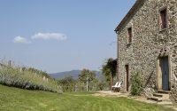 038-historic-farmhouse-special-umbria-W1390