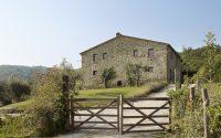 039-historic-farmhouse-special-umbria-W1390