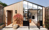 001-courtyard-house-de-rosee-sa
