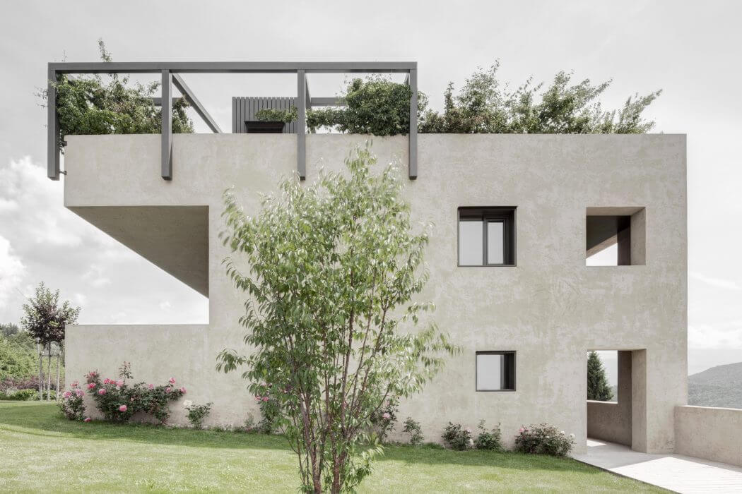 House H by Bergmeisterwolf Architekten