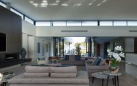 Corso House by Ellivo