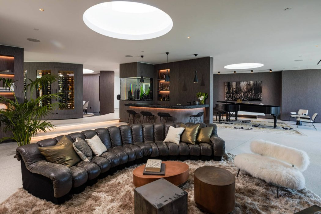 Beverly Hills Bachelor Pad by HSH Interiors