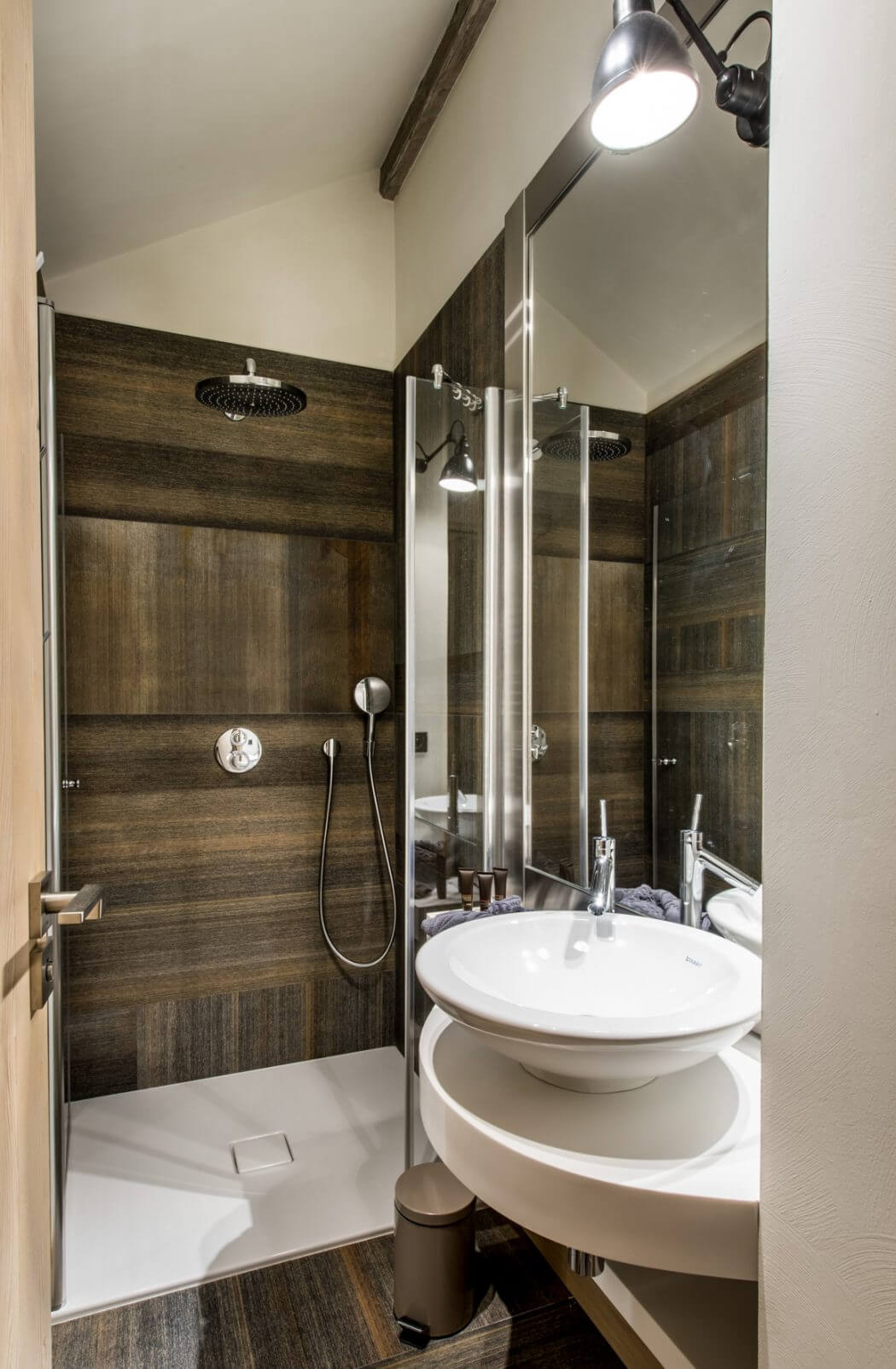 Chalet design by amdeco architecture d 39 int rieur homeadore for Interieur chalet design