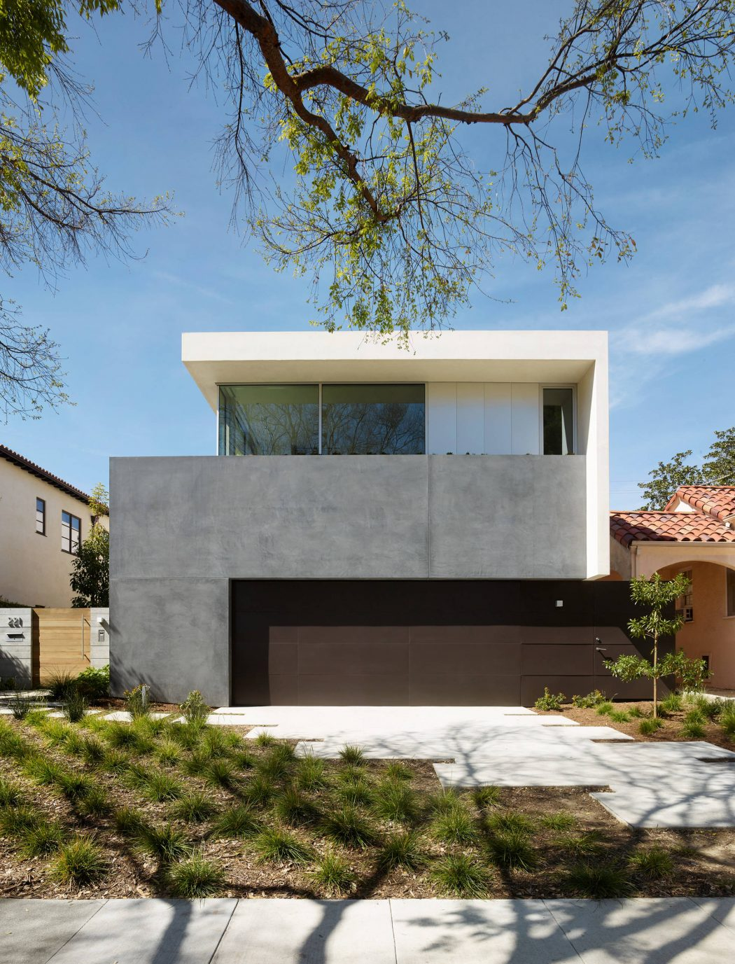 Crescent Drive Home by Ehrlich Yanai Rhee Chaney Architects