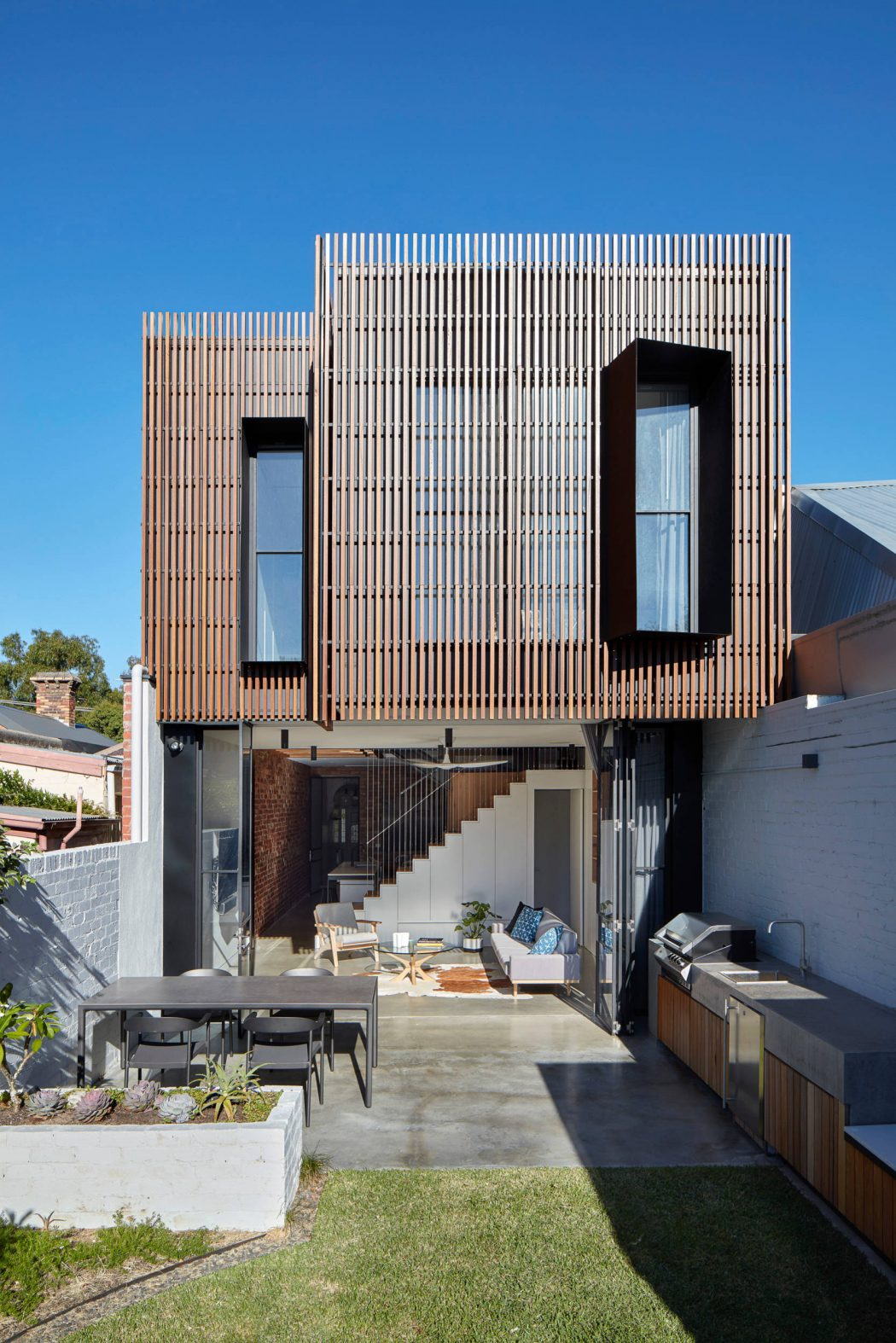 North Fitzroy House by MMAD Architecture - 1