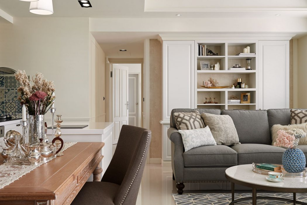 Sunny Boudoir By Ris Interior Design