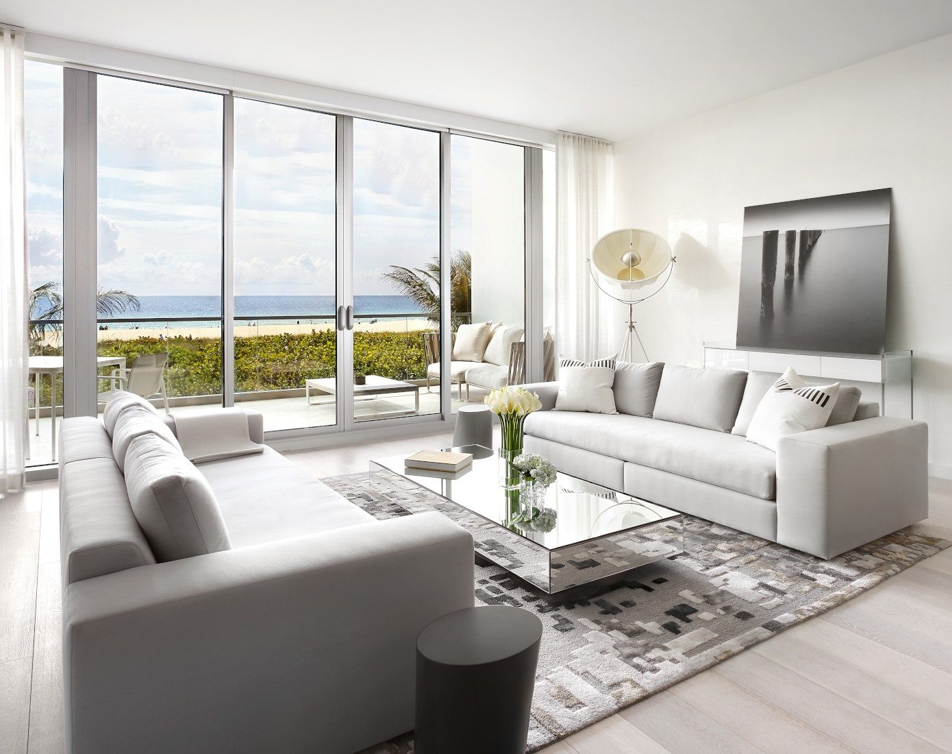 Miami Beach Villa by Associated Design « HomeAdore