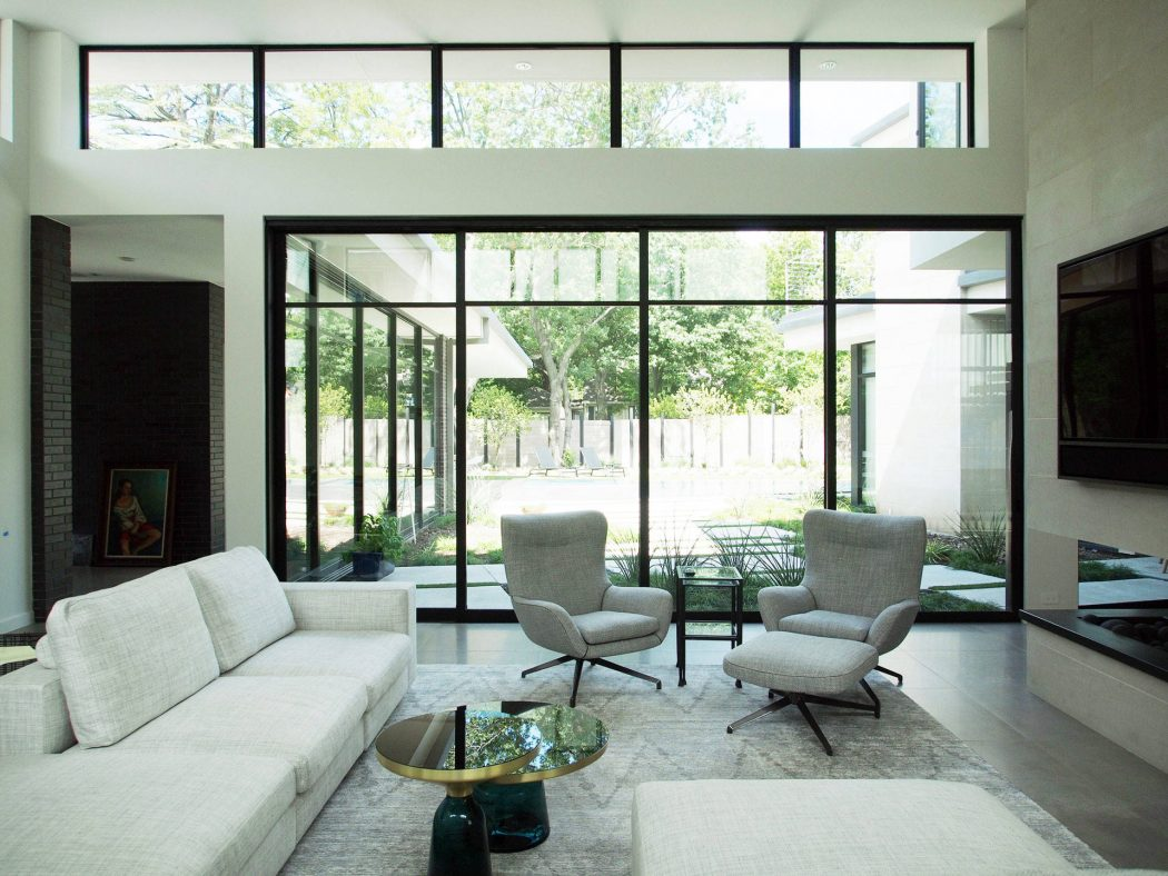 House in Dallas by Classic Modern Design Build - 1