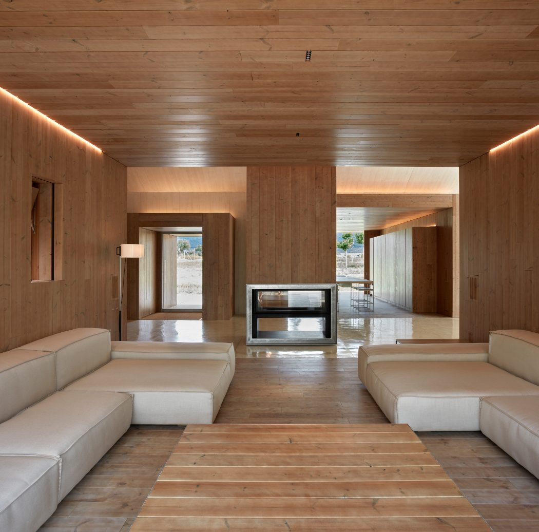 Cottage in fontanars dels alforins by ramon esteve estudio - Ramon esteve estudio ...
