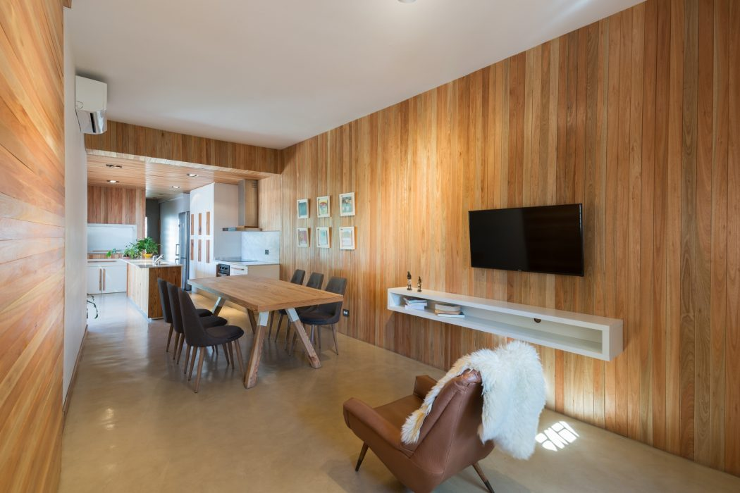 Home in Córdoba by Schlatter Arquitectura