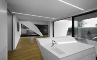 009-house-closer-architects