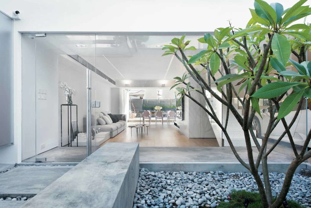House in Hong Kong by Millimeter Interior Design | HomeAdore