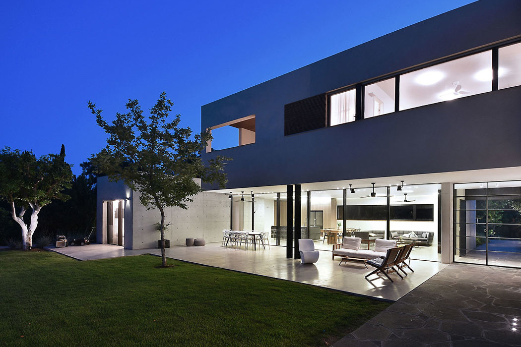 Carmel View Residence by Neuman Hayner Architects