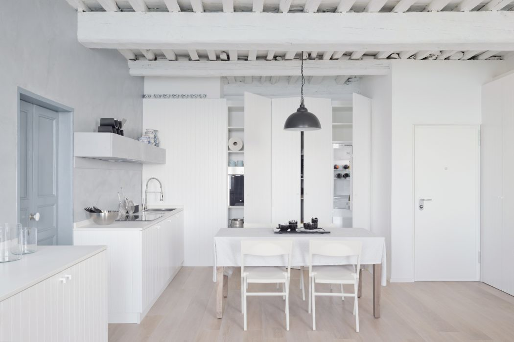 White Stripes Apartment by Gosplan