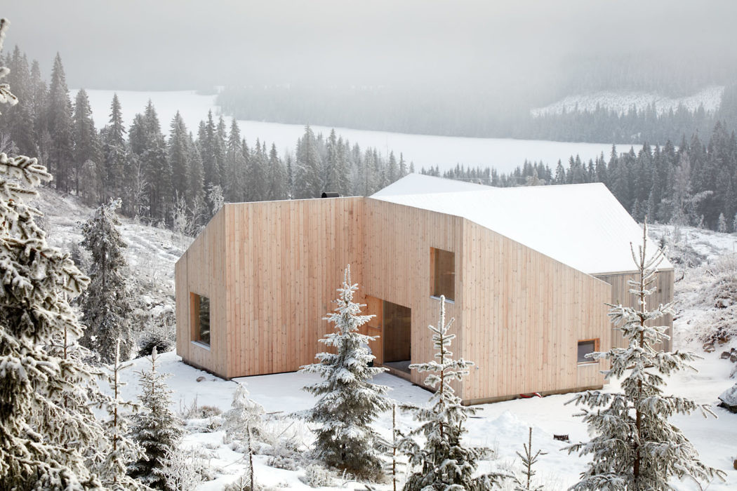Mylla Cabin by Mork Ulnes Architects