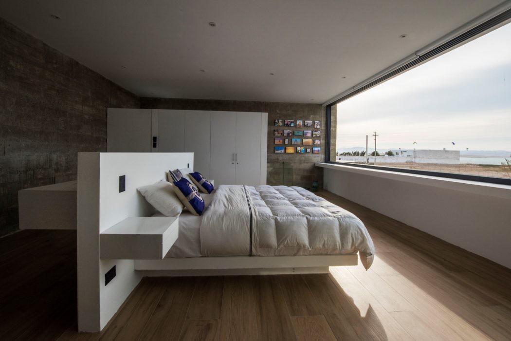 Bogavante House by Riofrio Arquitectos