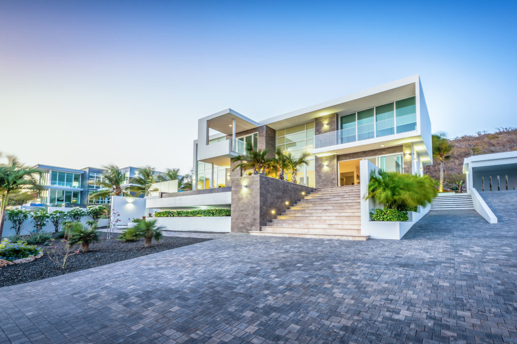 Contemporary Villa in Curacao by Arman Azadi