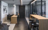 003-monochrome-office-space-tal-goldsmith-fish-design-studio