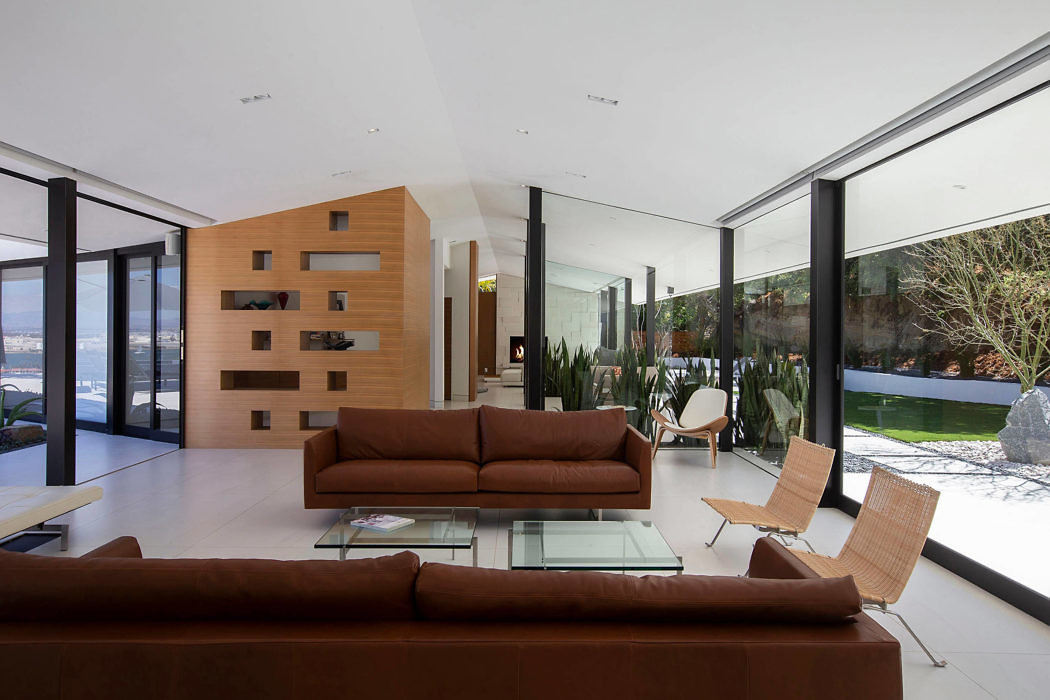 Lloyd Ruocco House by DNA Design Group